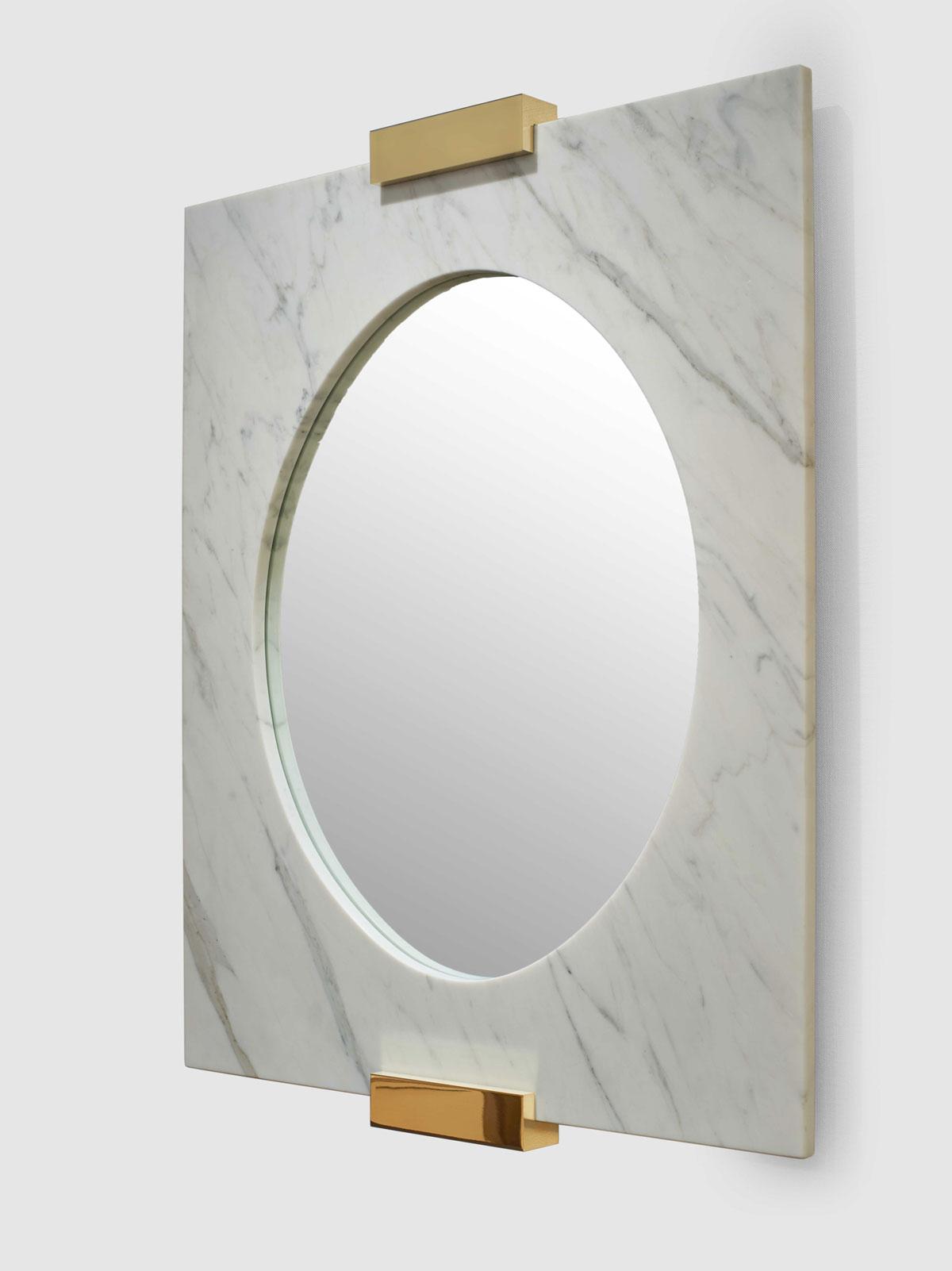 Taj Mirror