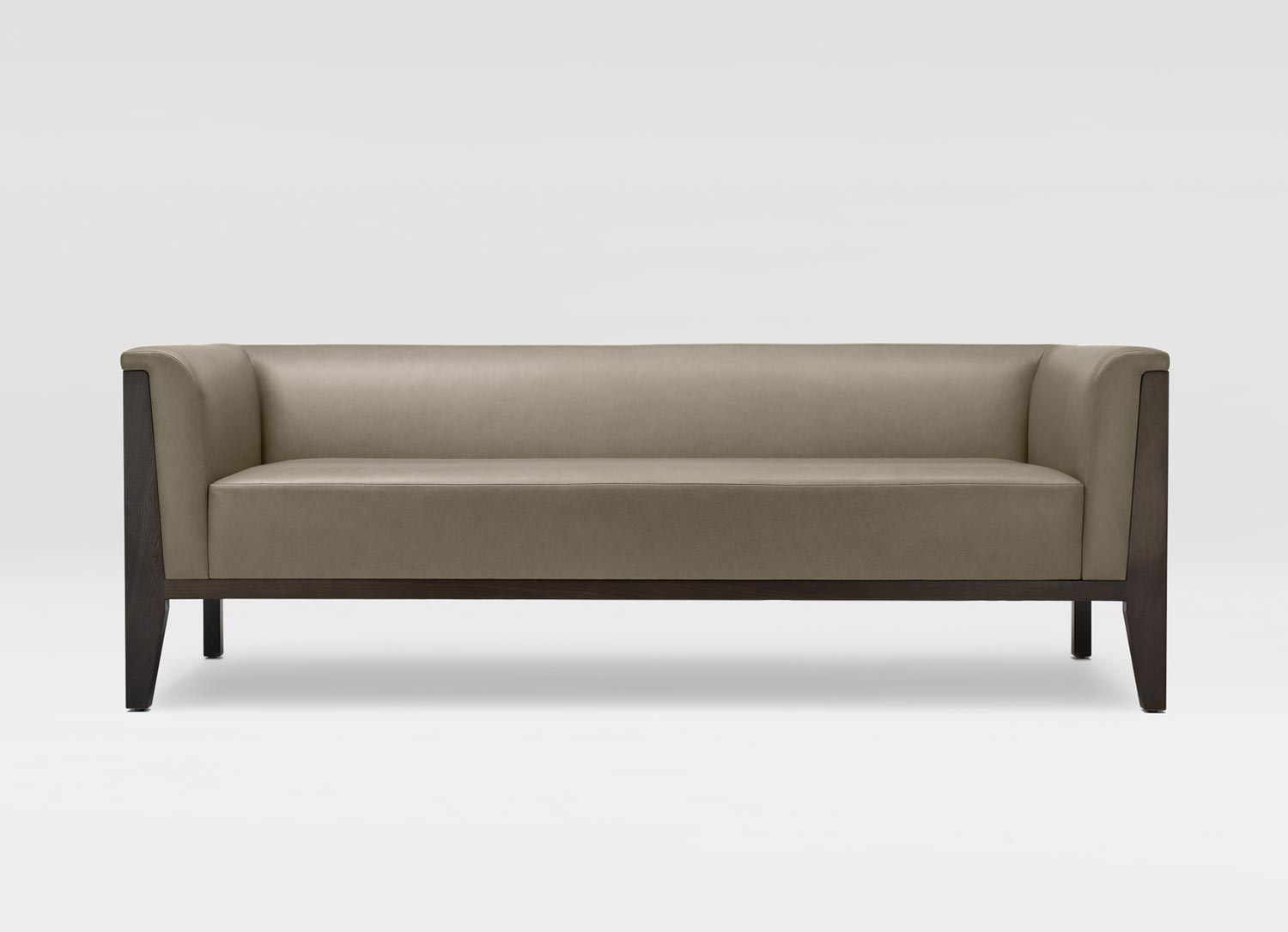 Yves hall sofa coraggio for Images of couch for hall rennes